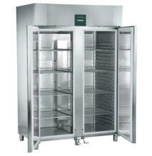 Mélyhűtő szekrény 1427l, GN2/1 méretben, lábpedállal működő ajtóval