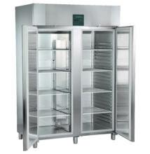 Liebherr GKPv 1470 típusú hűtőszekrény teli ajtóval, GN2/1 méretben, 1361l